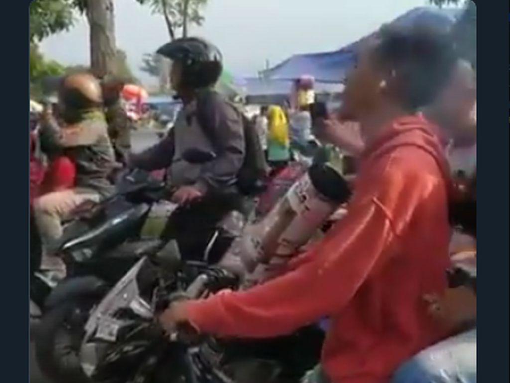Viral Video Pakai Knalpot Nyembur ke Muka, Apa Efeknya buat Paru-paru?