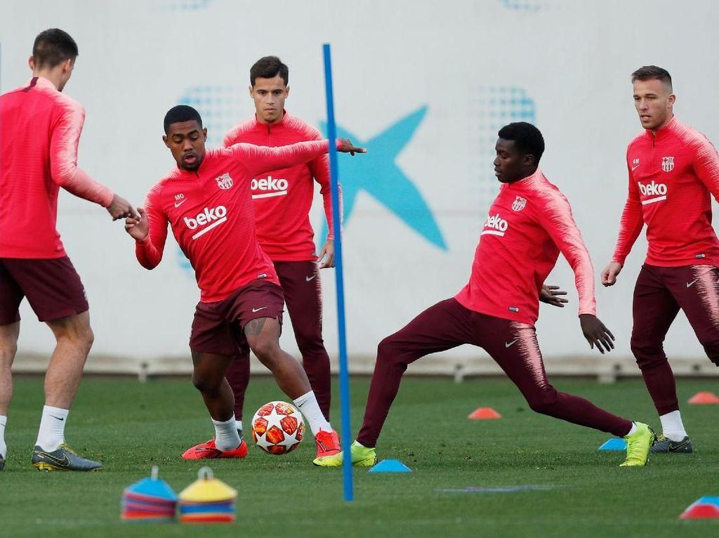 Latihan Barcelona dan MU Jelang Duel Panas di Camp Nou