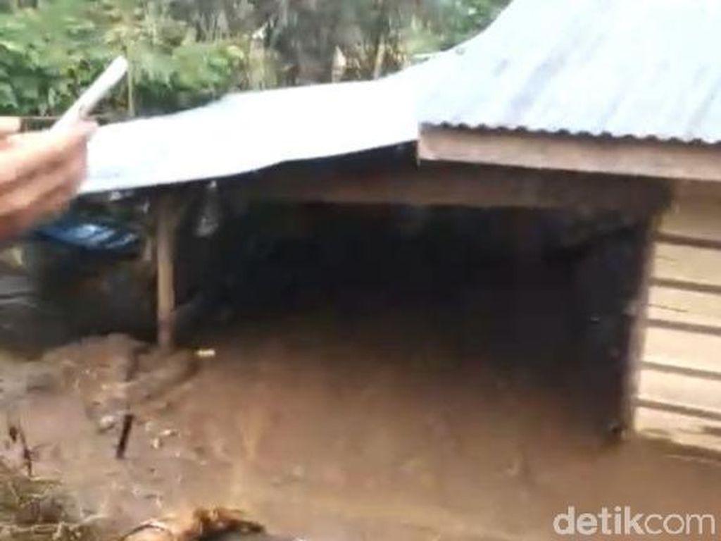 Banjir Terjang Lima Puluh Kota Sumbar