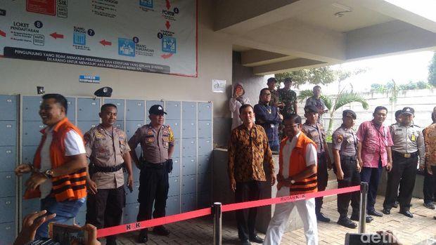 Tahanan KPK termasuk Idrus Marham mencoblos di TPS Rutan KPK, Rabu (17/4/2019)