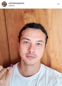 Nicholas Saputra Tepati Janji Untuk Posting Selfie, Netizen: Ganteng Banget