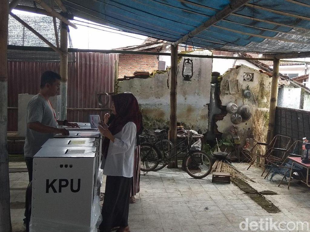 Biar Pemilih Datang, TPS di Kota Magelang Ini Bergaya Jadul