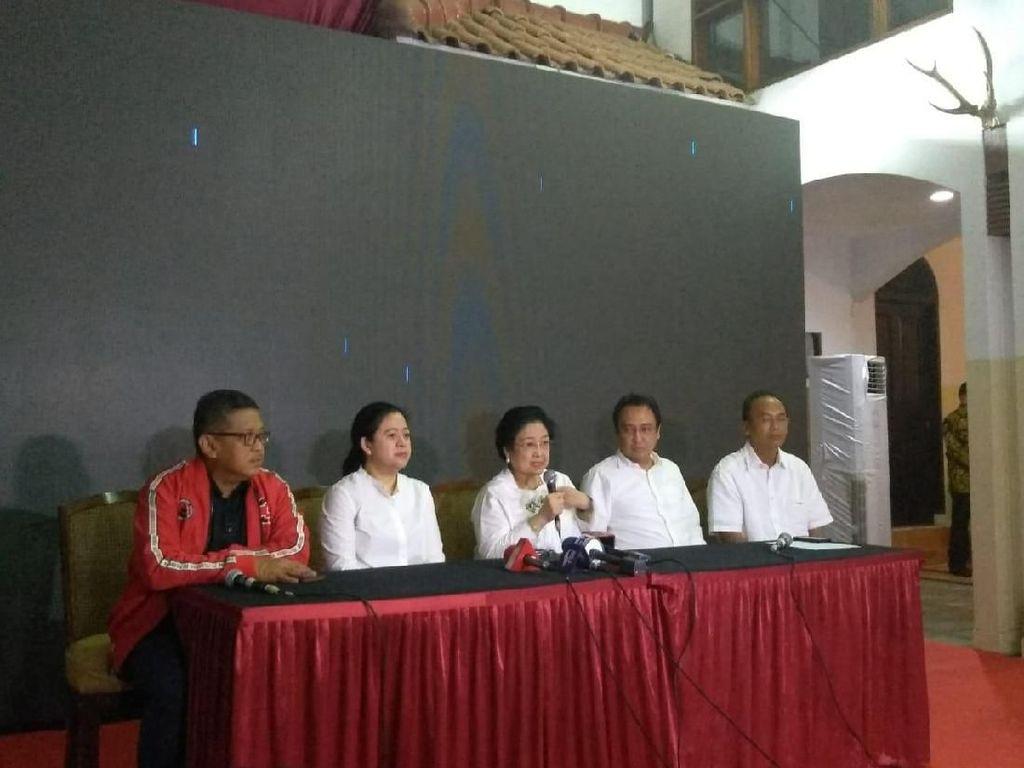 Saat Putra Megawati Teken Undangan Rakernas