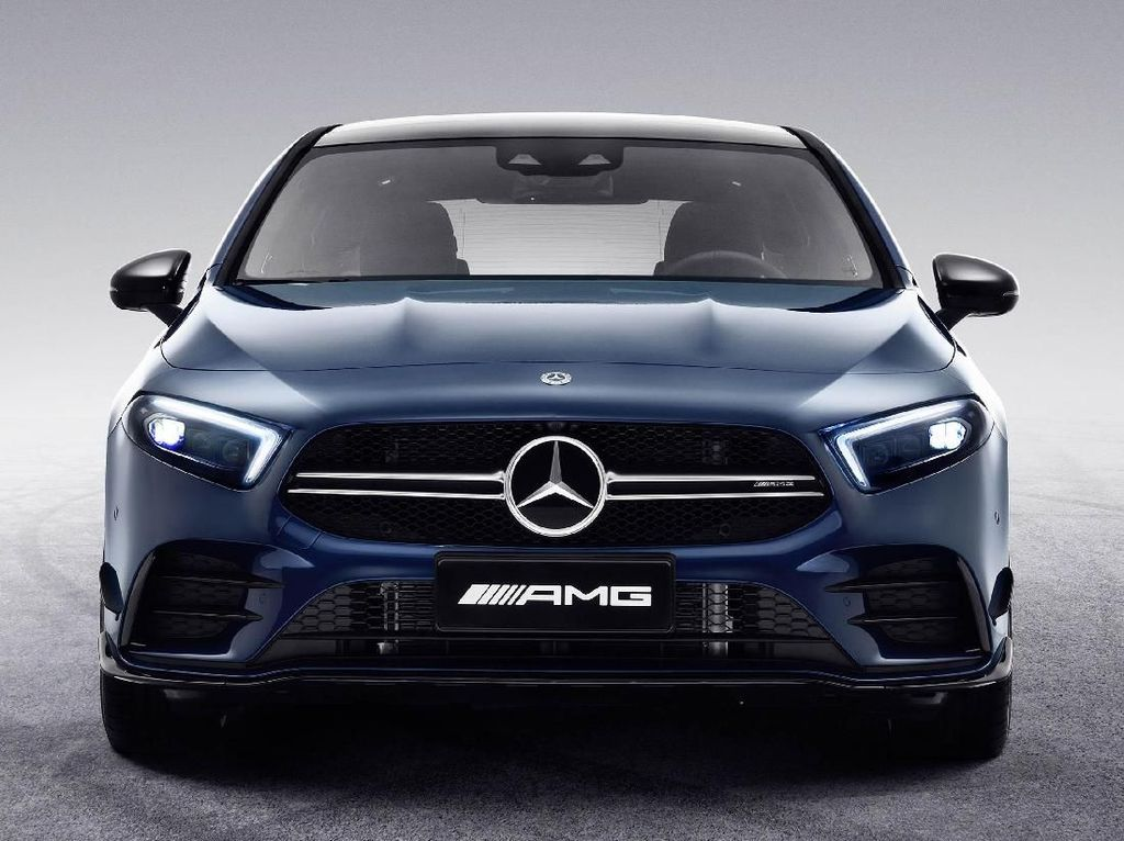 Mercedes-AMG A35 L Sedan Punya Nama Baru di China!