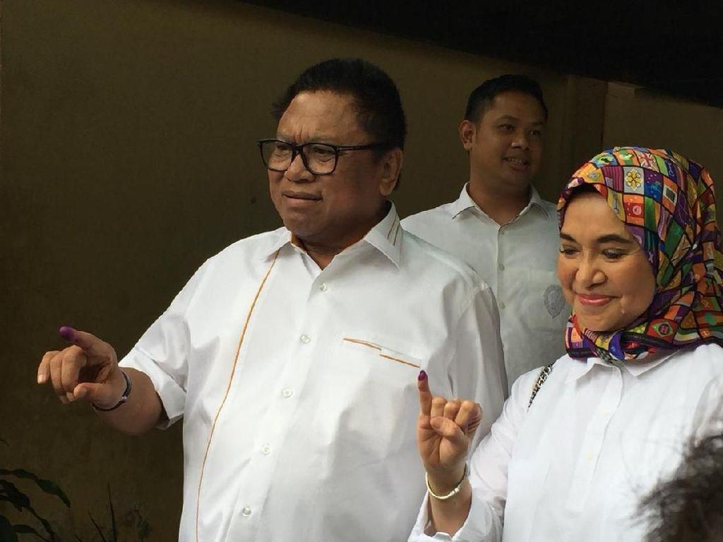 Nyoblos Bareng Keluarga, OSO Prediksi Kemenangan Jokowi Capai 60%