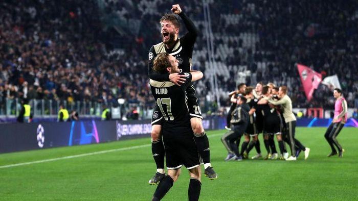 Ajax melangkah ke semifinal Liga Champions. (Foto: Michael Steele/Getty Images)