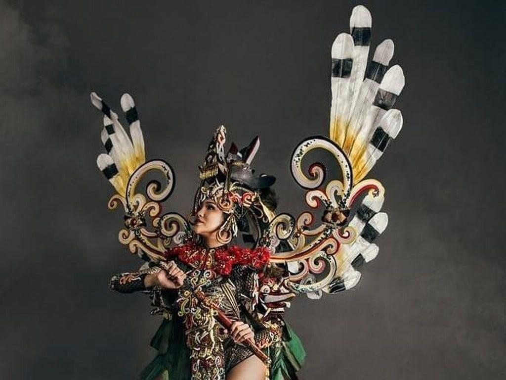 Cantiknya Penampilan 10 Puteri Indonesia Pakai Kostum Karya Dynand Fariz