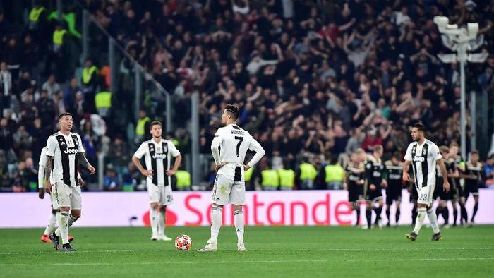 Pemain Juventus saat terhenti di perempatfinal Liga Champions. (Foto: Massimo Pinca/Reuters)