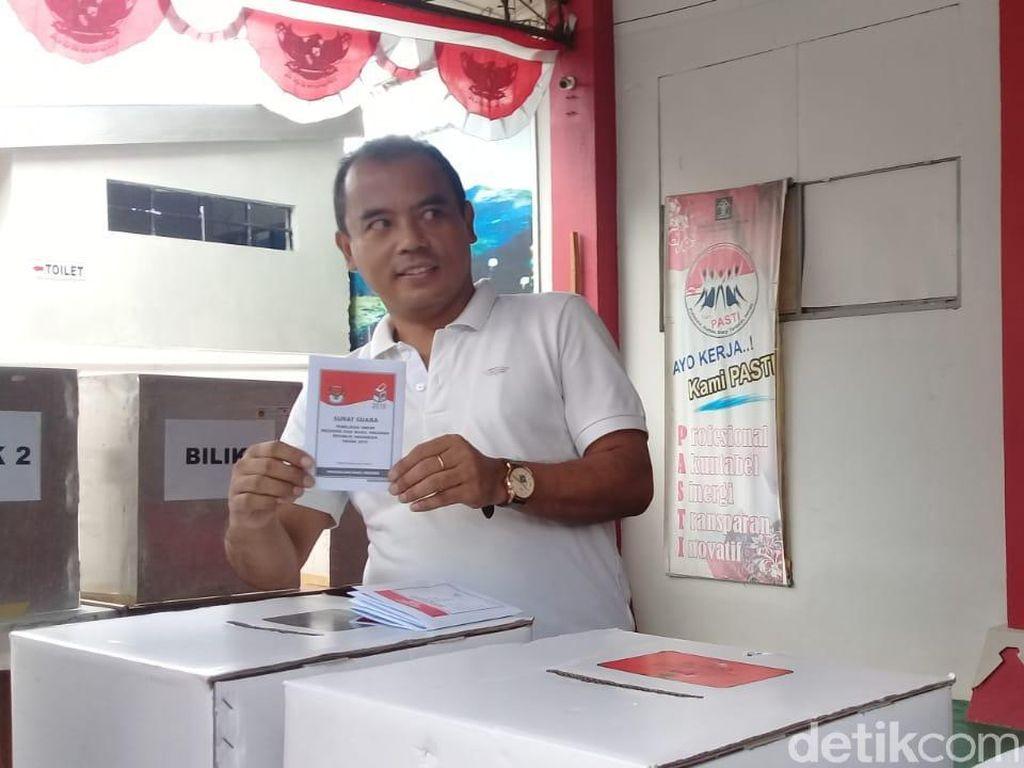 Bupati Purbalingga Antusias Nyoblos di Penjara: Tetap Pilih Jokowi!