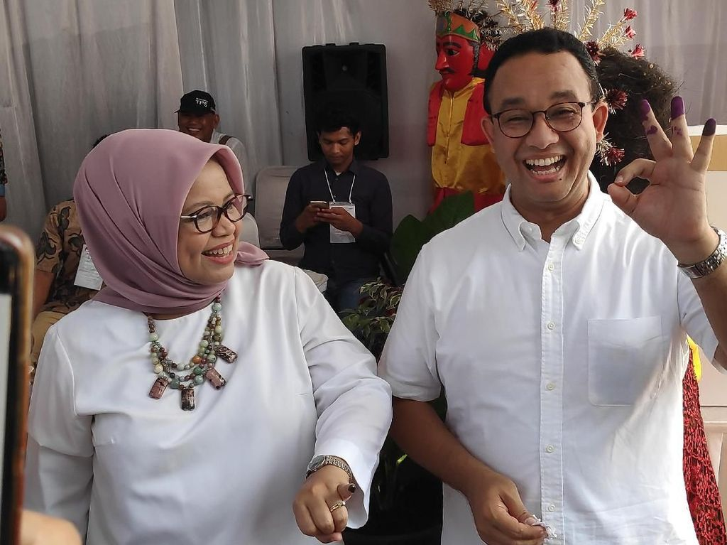 Anies Ungkap Alasan Pakai Baju Putih Saat Nyoblos di TPS