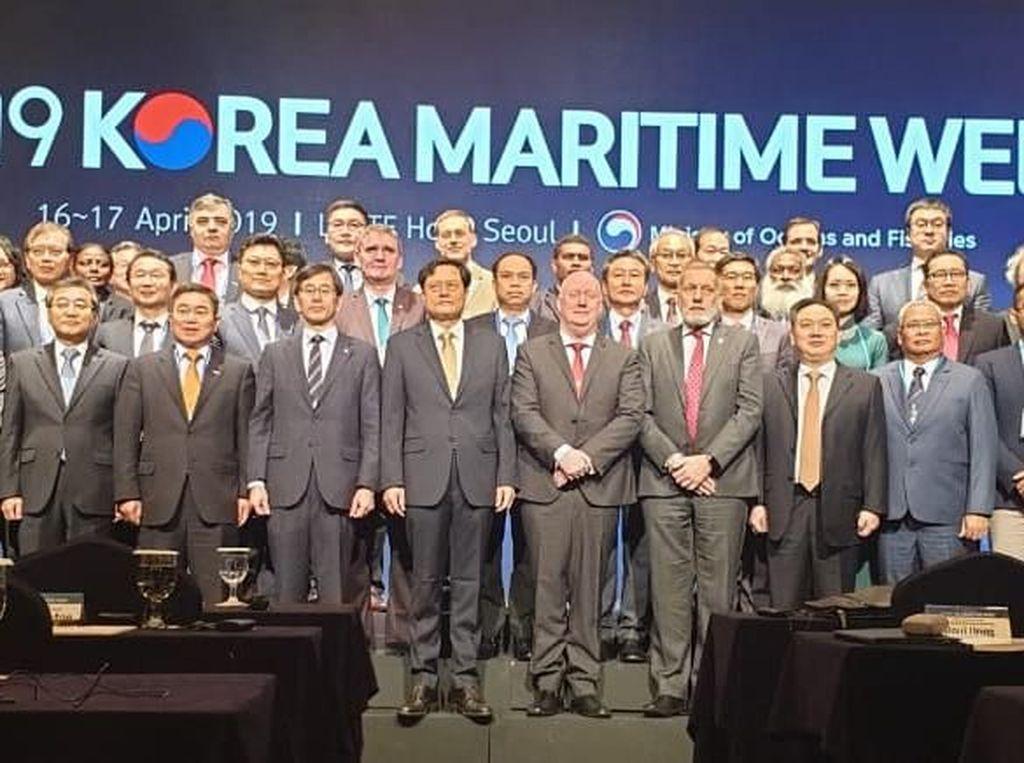 Korea Maritime Week Singgung Isu Sampah Plastik di Laut