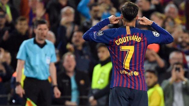 Philippe Coutinho mencetak satu gol saat Barcelona menang 3-0 atas Manchester United.