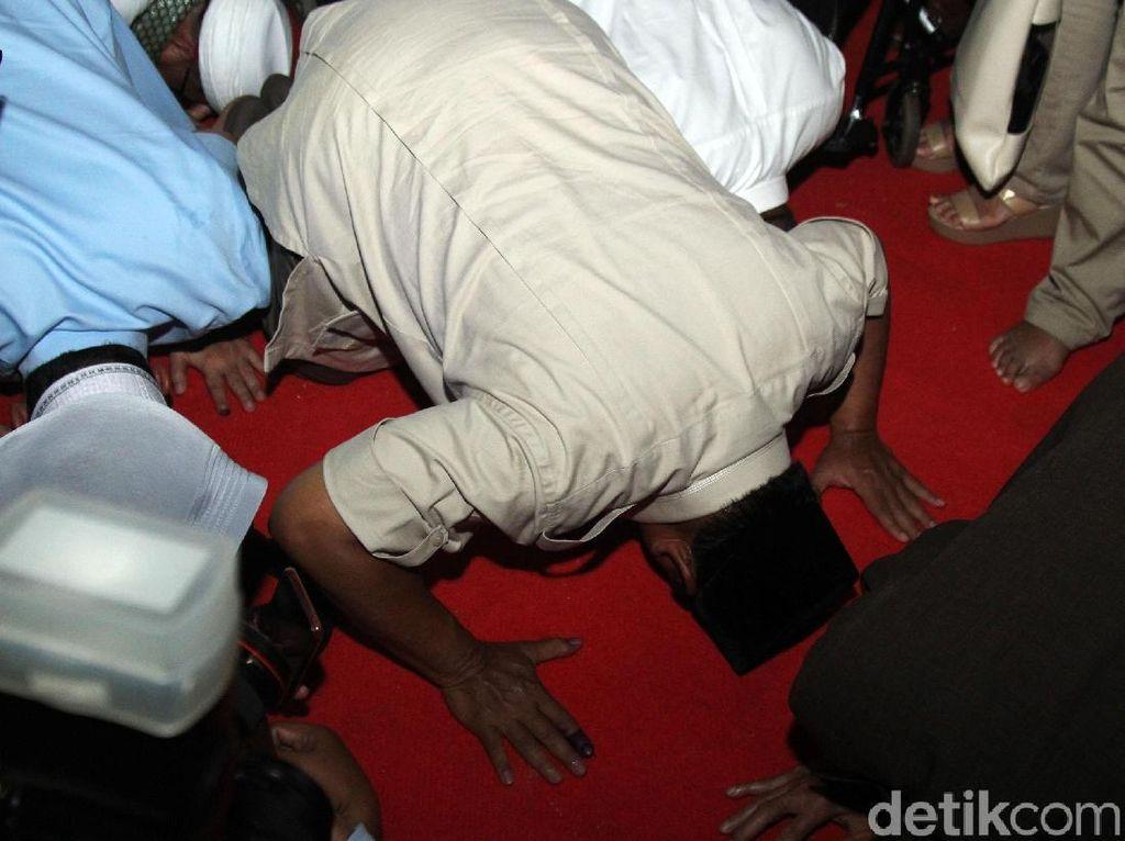 Sujud Kedua Prabowo