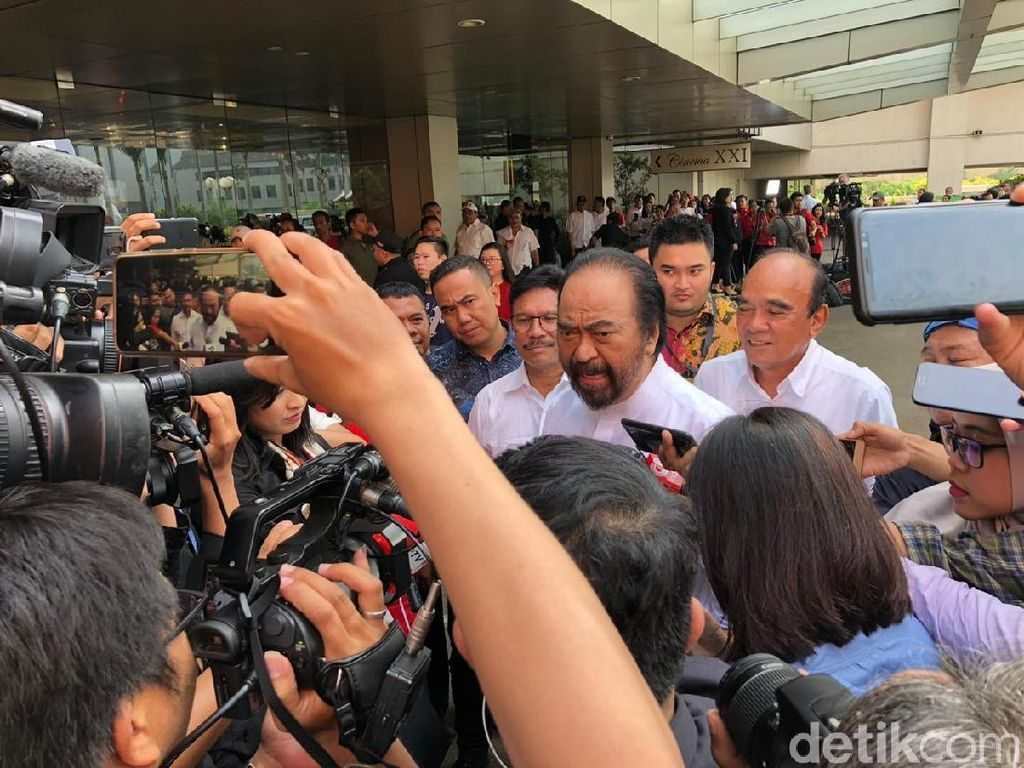 Surya Paloh Prediksi Jokowi-Maruf Amin Menang 56-58%
