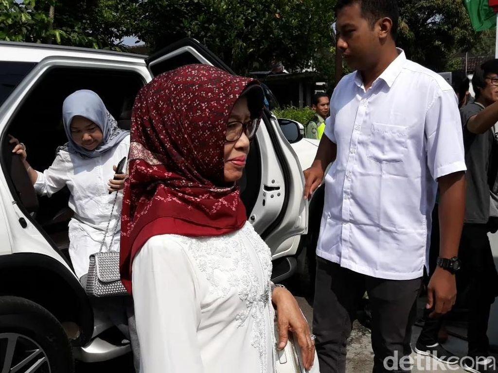 Ibunda Jokowi Meninggal, Minim Terdengar Punya Sakit Serius