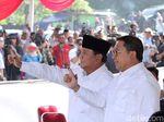 Nyoblos di TPS 41, Prabowo dan Fadli Zon Pose Dua Jari