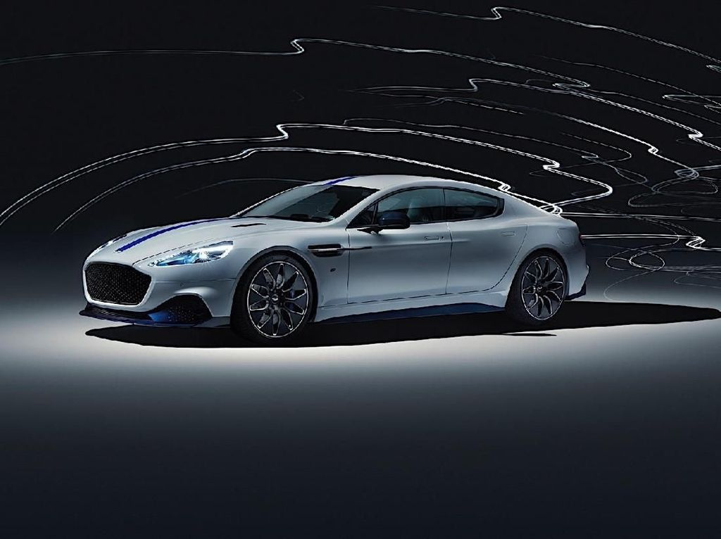 Aston Martin Pamer Mobil Listrik Pertama di Asia