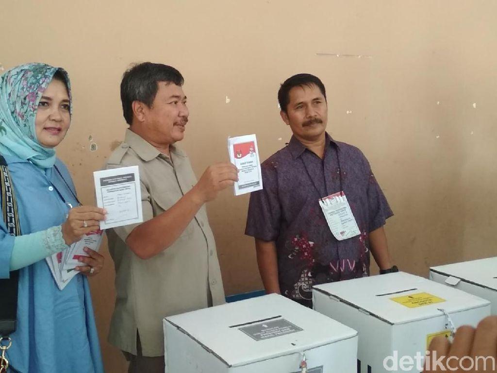 Beda Pilihan Presiden, Bupati Garut dan Istri Akur Nyoblos Bareng