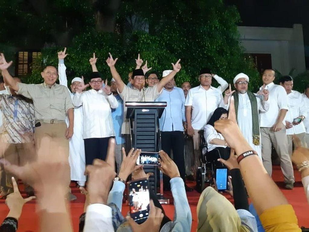 TKN ke BPN soal Klaim Menang: Jokowi Minta Tunggu KPU, Prabowo Tak Pernah