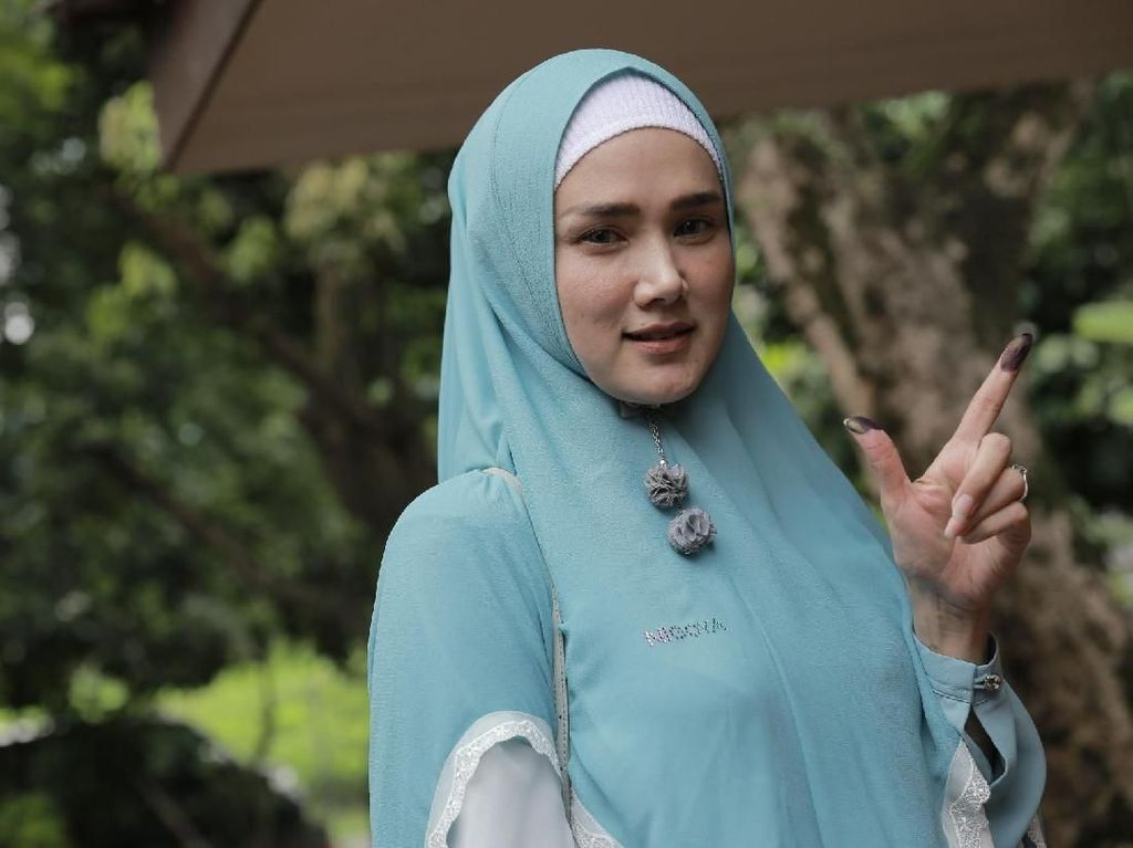 Deg-degan Nyoblos Prabowo, Mulan Jameela Harap Ekonomi Membaik