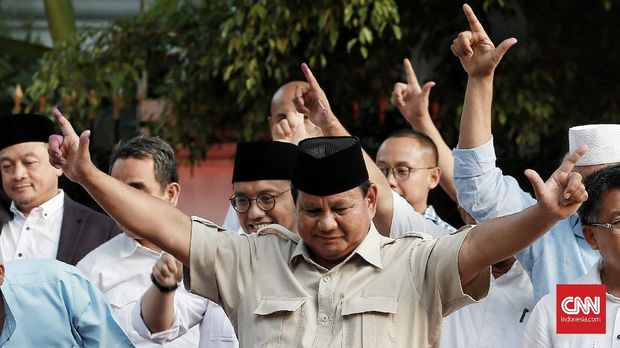 Calon Presiden nomor 02 Prabowo Subianto menyatakan sikap terkait perhitungan suara cepat bersama BPN di Kertanegara. Jakarta, Rabu 17 April 2019. CNN Indonesia/Andry Novelino
