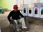 Perjuangan Ali dan Kursi Rodanya, Keterbatasan Tak Jadi Hambatan Nyoblos