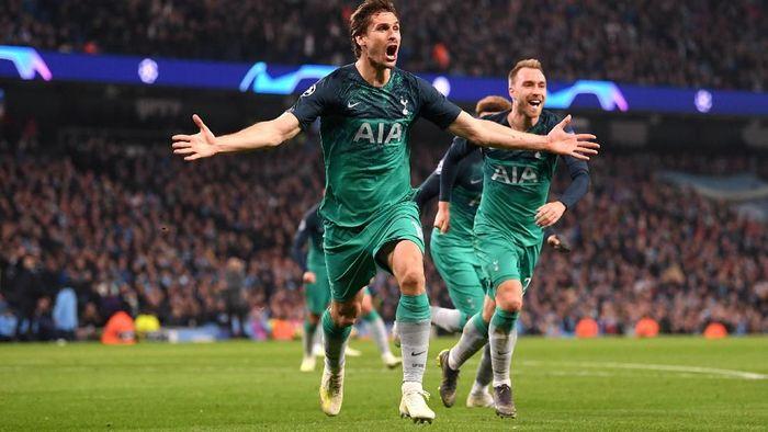Tottenham Hotspur lolos ke semifinal Liga Champions usai kalah 3-4 di leg kedua perempatfinal. The Lilywhites lolos dengan keunggulan gol tandang dalam agregat 4-4. (Foto: Laurence Griffiths/Getty Images)