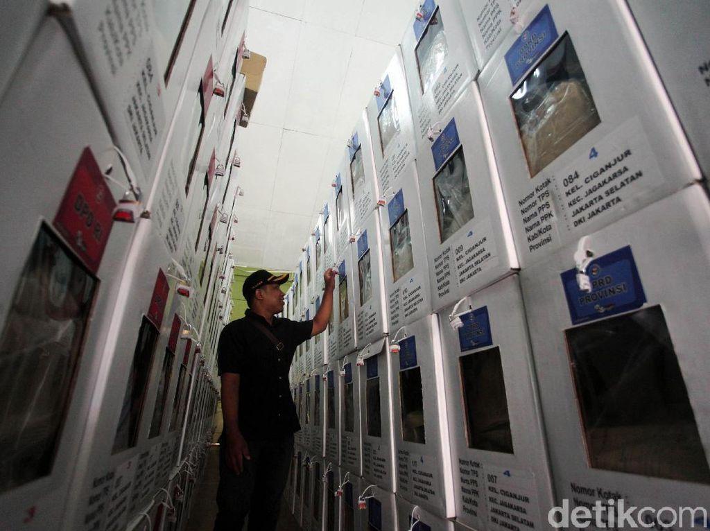 Cerita Ketua KPPS di Makassar Pinjam Puluhan Juta demi Honor Anggota