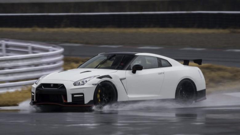 Ilustrasi Nissan GT-R Foto: Pool : Thedrive
