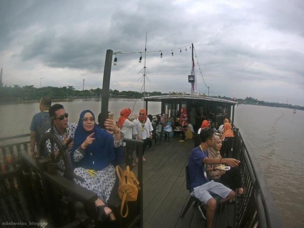 Long Weekend di Samarinda, Bisa Wisata Susur Sungai Mahakam