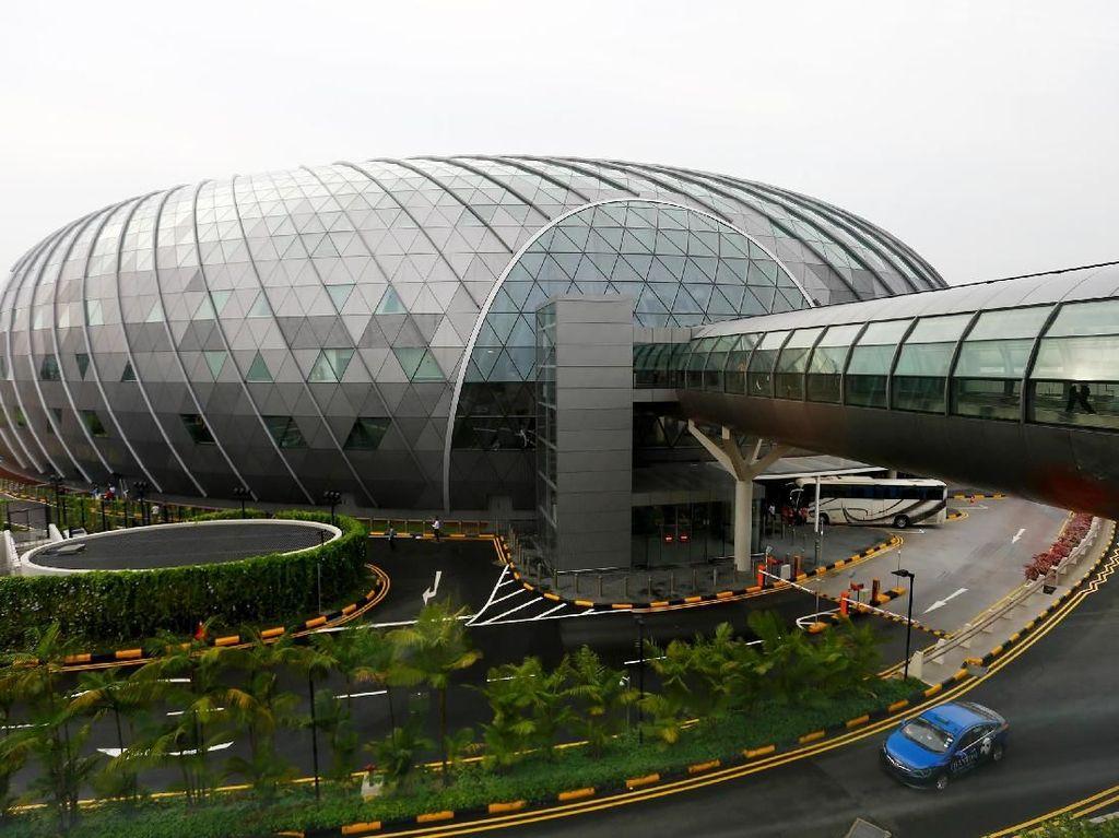 Bandara Changi Jadi Klaster Corona, Ribuan Pekerja Diswab