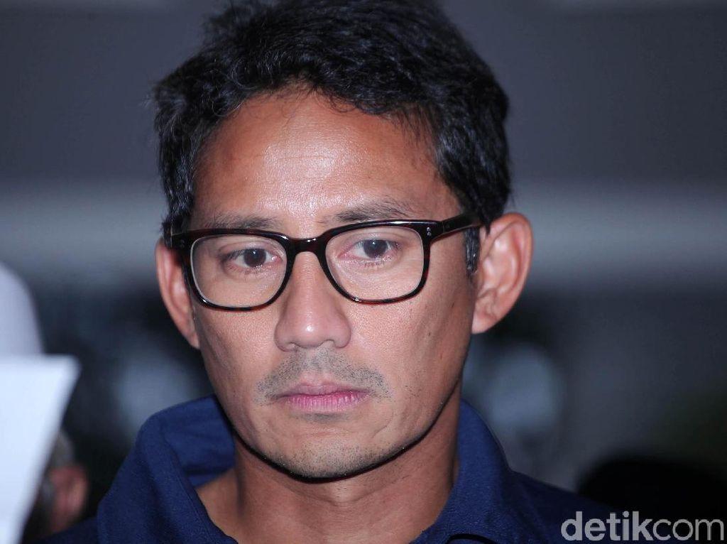 Potret Ekspresi Sandiaga Saat Dampingi Prabowo Deklarasi