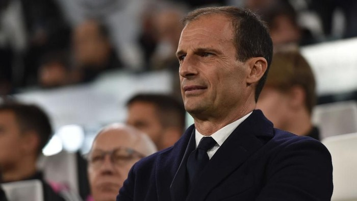 TURIN, ITALY - MARCH 12: Head coach Massimiliano Allegri of Juventus looks on during the UEFA Champions League Round of 16 Second Leg match between Juventus and Club de Atletico Madrid at Allianz Stadium on March 12, 2019 in Turin, Italy. (Photo by Tullio M. Puglia/Getty Images)