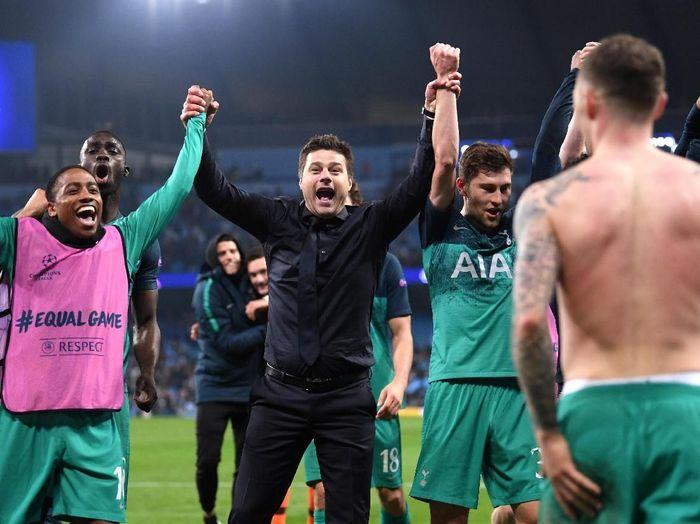 Tottenham Hotspur merayakan keberhasilan menyingkirkan Manchester City di perempatfinal Liga Champions. (Foto: Laurence Griffiths/Getty Images)