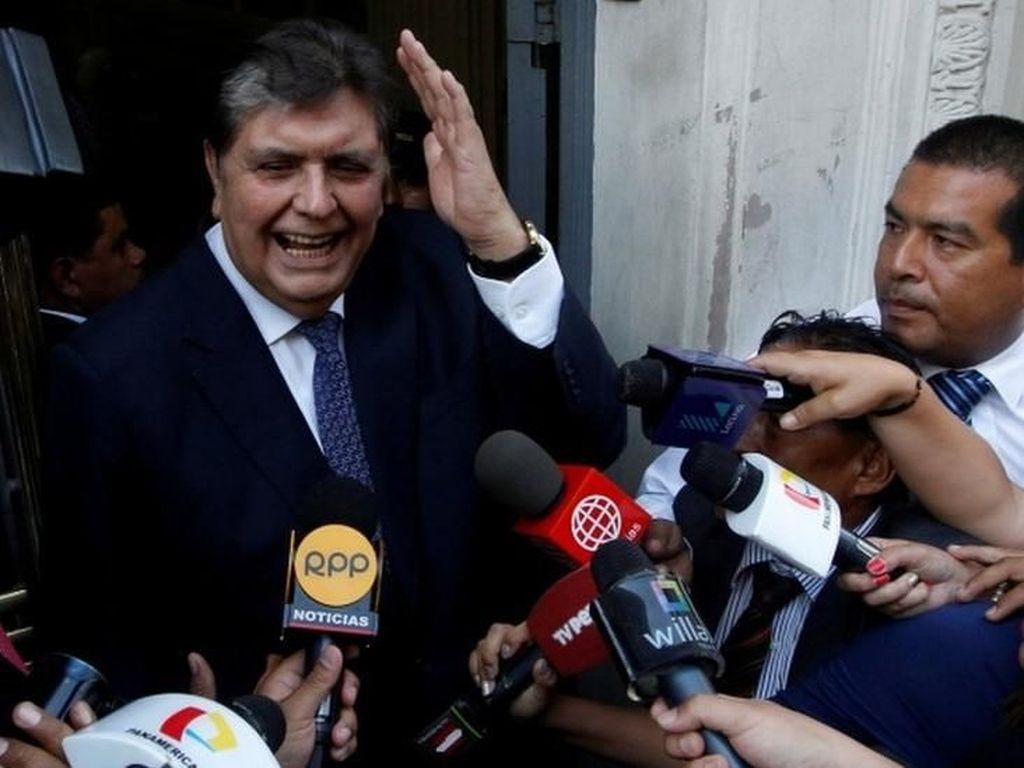 Mantan Presiden Peru Bunuh Diri Saat Akan Ditangkap Polisi