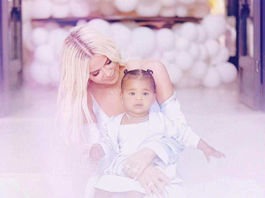 Fantastis, Khloe Kardashian Habiskan Rp 119 Juta untuk Balon Ultah Anaknya