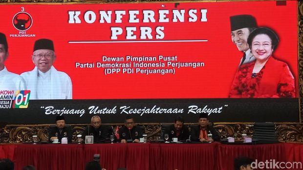 PDI Perjuangan mengeluarkan hitung suara di TPS dengan tim internal.