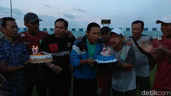 Persela Lamongan merayakan HUT ke-52. (Foto: Eko Sudjarwo/Detikcom)