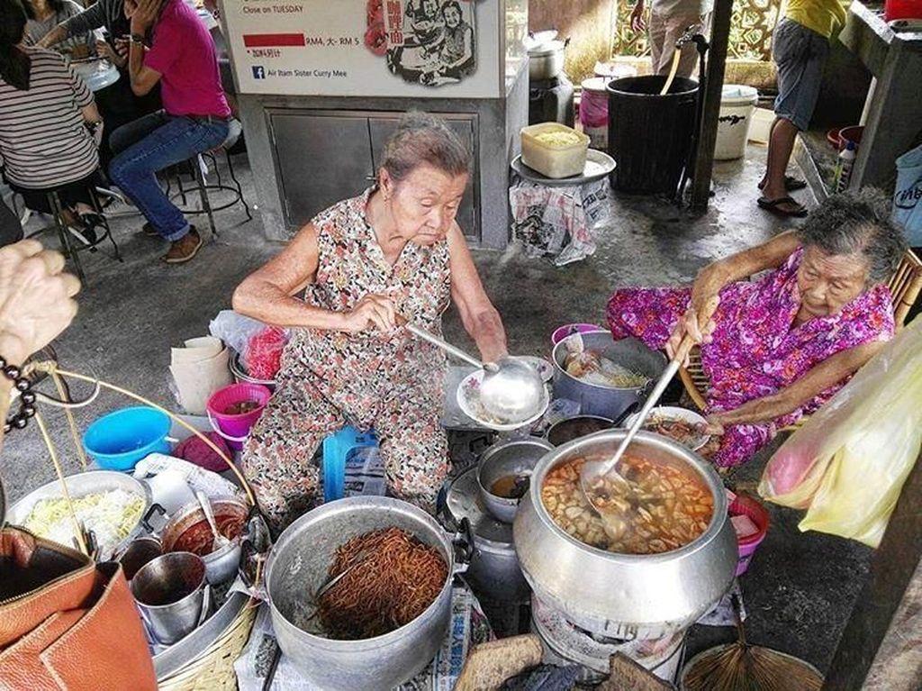 Puaskan Selera Dengan 5 Jajanan Kaki Lima Enak yang Ada di Penang, Malaysia