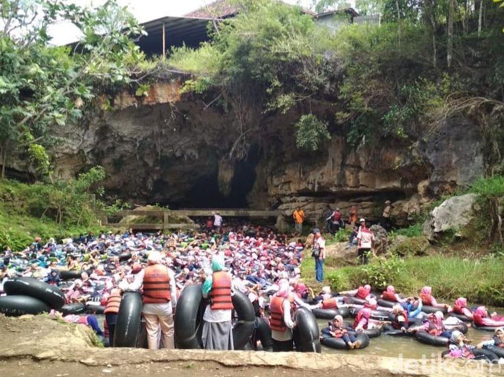 Long Weekend, Ini Penampakan Wisatawan Jejali Gua Pindul Gunungkidul