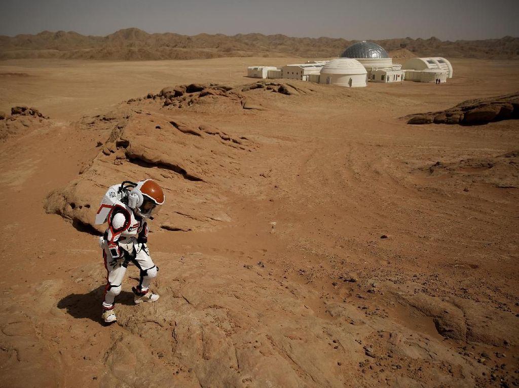 Sejuta Orang Bisa Hidup di Mars Asalkan Mau Makanan Ini