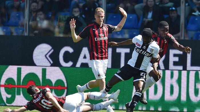 AC Milan ditahan imbang Parma 1-1. (Foto: Giuseppe Bellini/Getty Images)