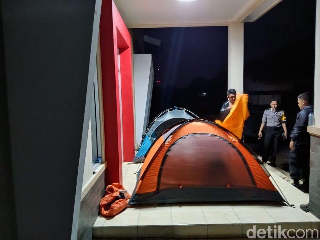 Hobi Naik Gunung, Brigadir Umamul Buat Tenda Jaga Logistik Pemilu