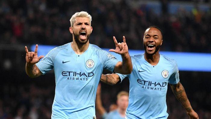 Sergio Aguero tak cuma produktif dalam urusan mencetak gol, penyerang Manchester City ini juga berkontribusi lewat assist-assist. Dia bikin delapan assist di Premier League musim ini dan menempati posisi 10. (Foto: Laurence Griffiths/Getty Images)