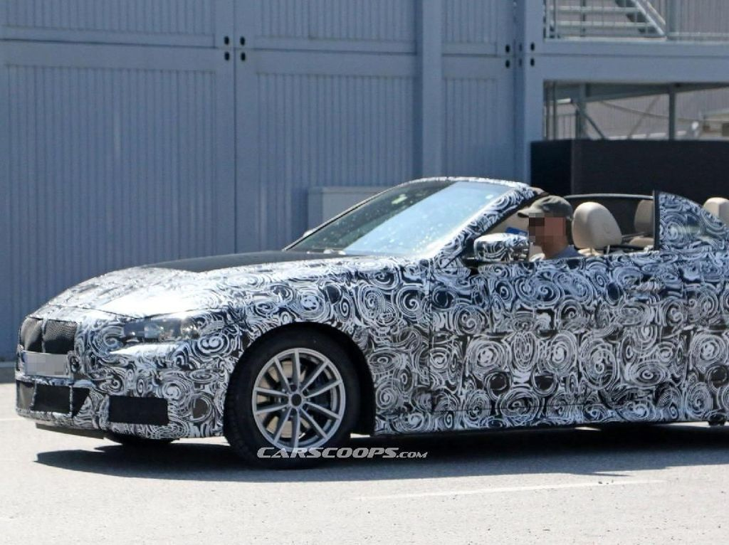 BMW Seri 4 Convertible dengan Atap Buka-Tutup