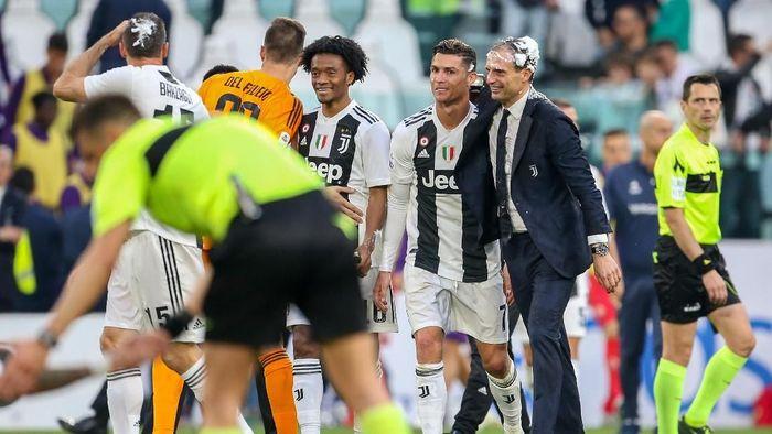 Cristiano Ronaldo dan Massimiliano Allegri. (Foto: Giampiero Sposito/Getty Images)