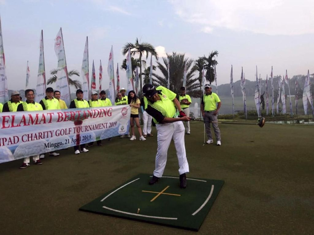 Ketua BPK Buka Charity Golf Tournament IKA Unpad