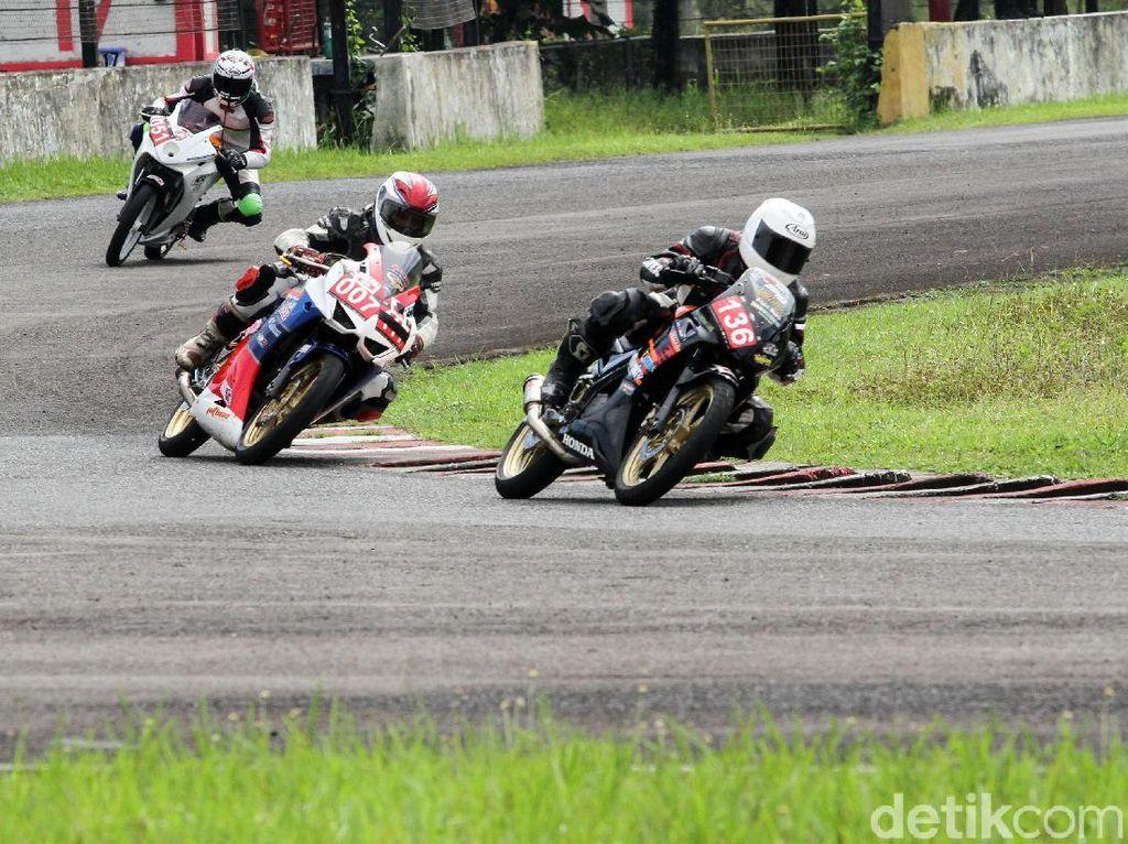 Honda CBR Adu Kencang di Sentul
