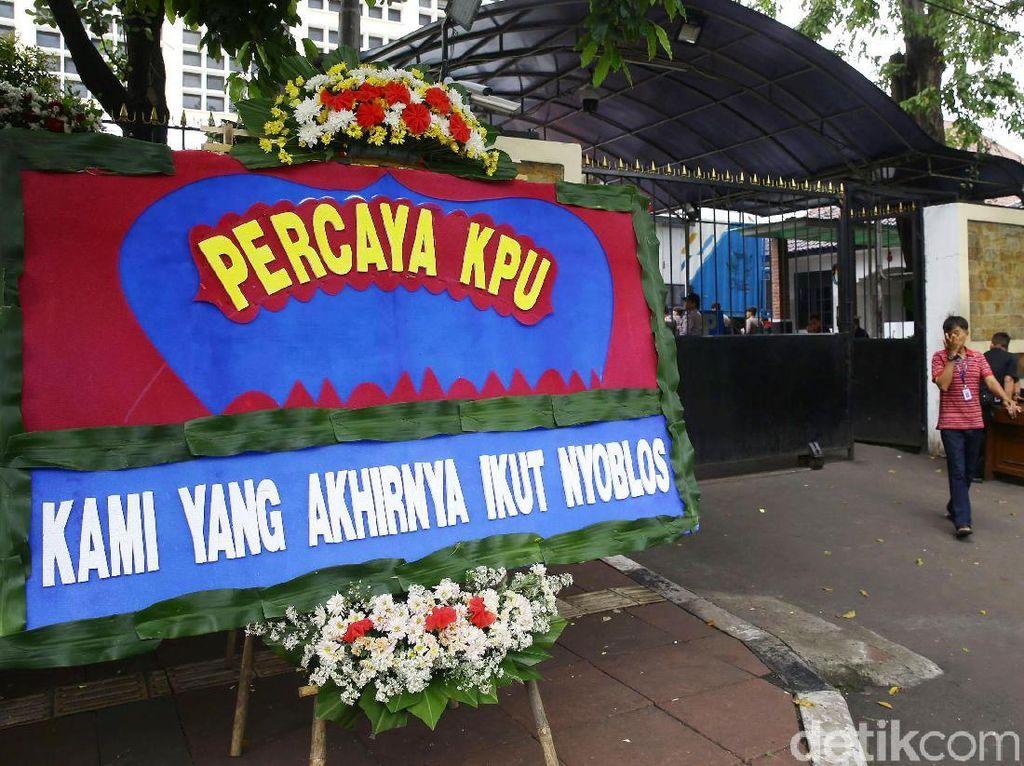 KPU Banjir Karangan Bunga Dukungan