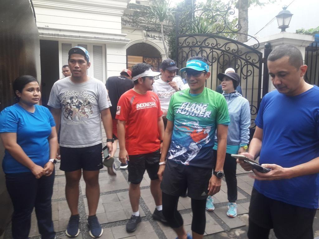Potret Sandiaga Uno Lari Sore Setelah Pulih dari Sakit